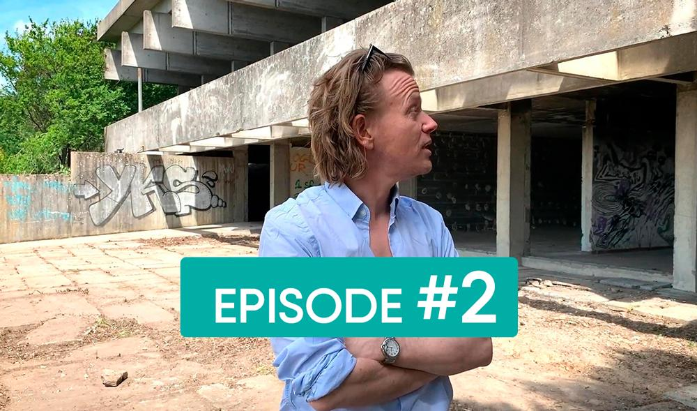 Alex Lutz parle du bâtiment dans ce deuxième épisode